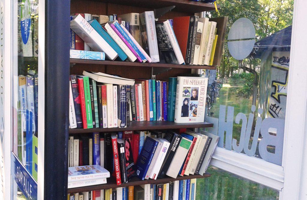 Bücherschrank_Titel